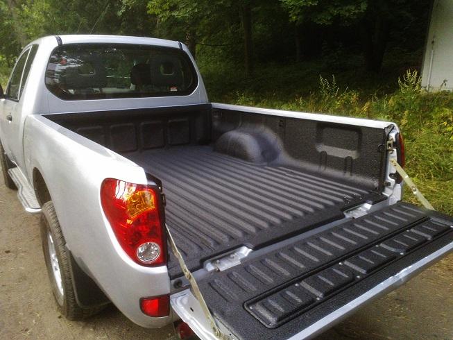 Mitsubishi L200 z zabudowa pickup