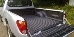 Mitsubishi L200 z zabudowa pickup powłoką natryskową